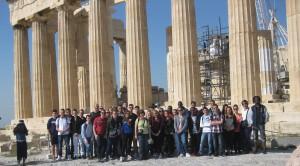 Devant le Parthénon
